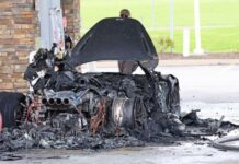 В США згорів рідкісний суперкар McLaren за півмільйона доларів