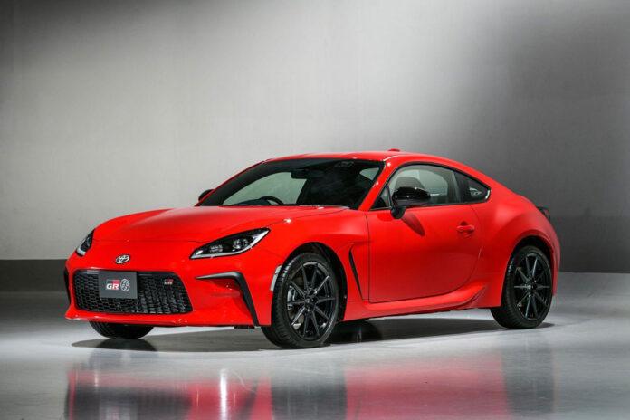 Toyota представила новый спорткар GR 86