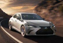 Седан Lexus ES планово обновился
