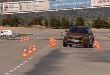 """Новый Renault Sandero Stepway отправили на """"лосиный тест"""""""