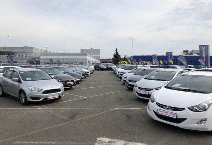 У мережі АІС купити б/у седан з Кореї можна зі знижкою до 40 000 грн