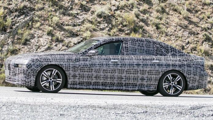 Нове покоління «сімки» BMW потрапило в об'єктиви фотошпигунів