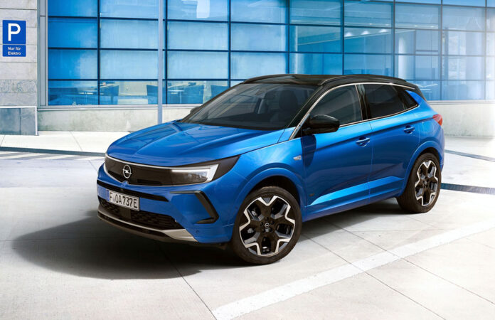 Opel Grandland змінив обличчя і отримав нові функції