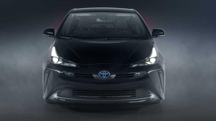 Toyota Prius може отримати водневу версіюу версію