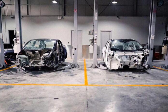 Tesla Model Y і Volkswagen ID.6 Crozz зіштовхнули лоб в лоб під час краш-тесту